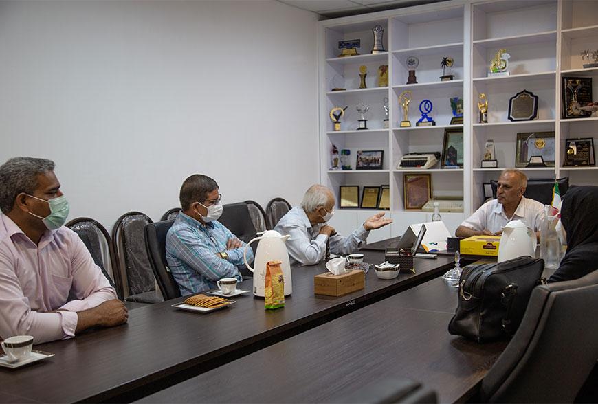 جلسه مدیر عامل شرکت خرمابن جنوب و اعضای محترم تعاونی نخلداران فین